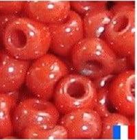 perles de rocaille rouge opaque