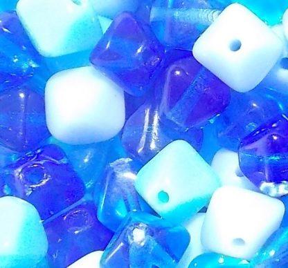 perles en verre pyramide