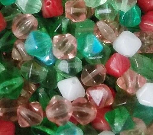 assortiment de perles pyramide printemps