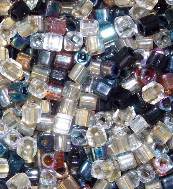 perles cubes toho